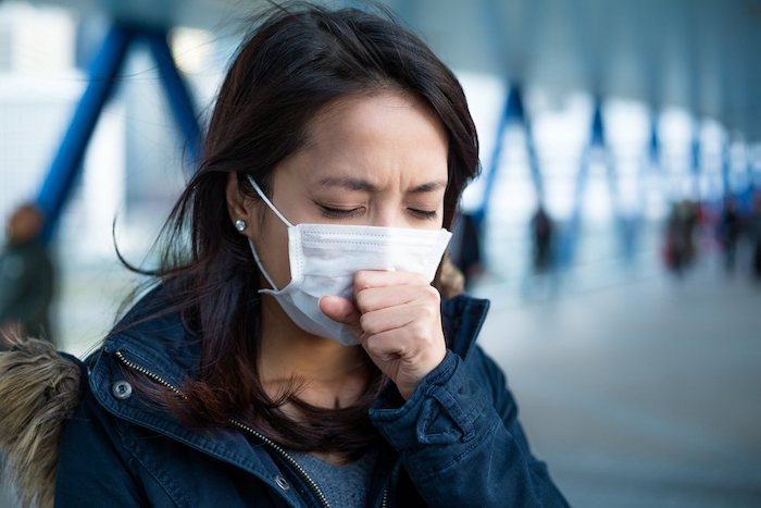 Bị bệnh lao phổi không nên đi làm lại
